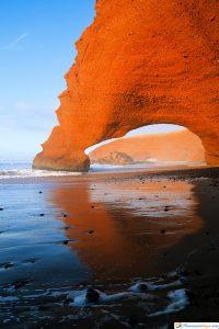 arcos de piedra legzira en marruecos
