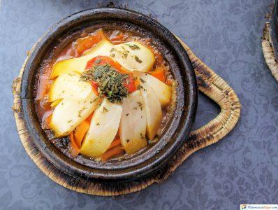 tajine de verduras plato de marruecos